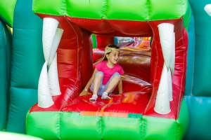 6 Reasons to Visit a Bounce House Place for Toddlers